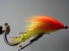 148 Rood Geel Bucktail 10 cm tot 30 cm