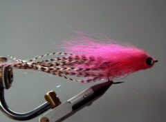 158 Pink Bucktail van 10 cm tot 30 cm