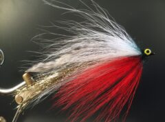 507 Anti wier Bucktail  10 cm tot  25 cm Op Unieke haak