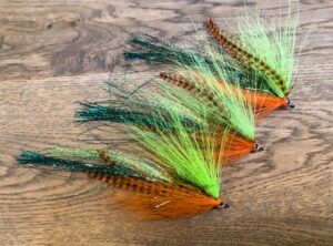 1141 Bucktail streamer 10 cm 15 cm 20 cm    10  cm  is de Baars killer verzwaard of onverzwaard